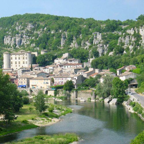 Le village de Vogüé